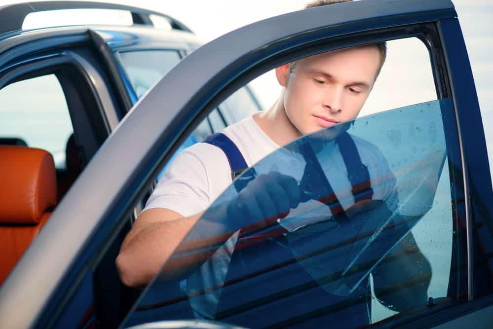 שוב לא שחור- כך מחזירים את השקיפות לחלונות הרכב